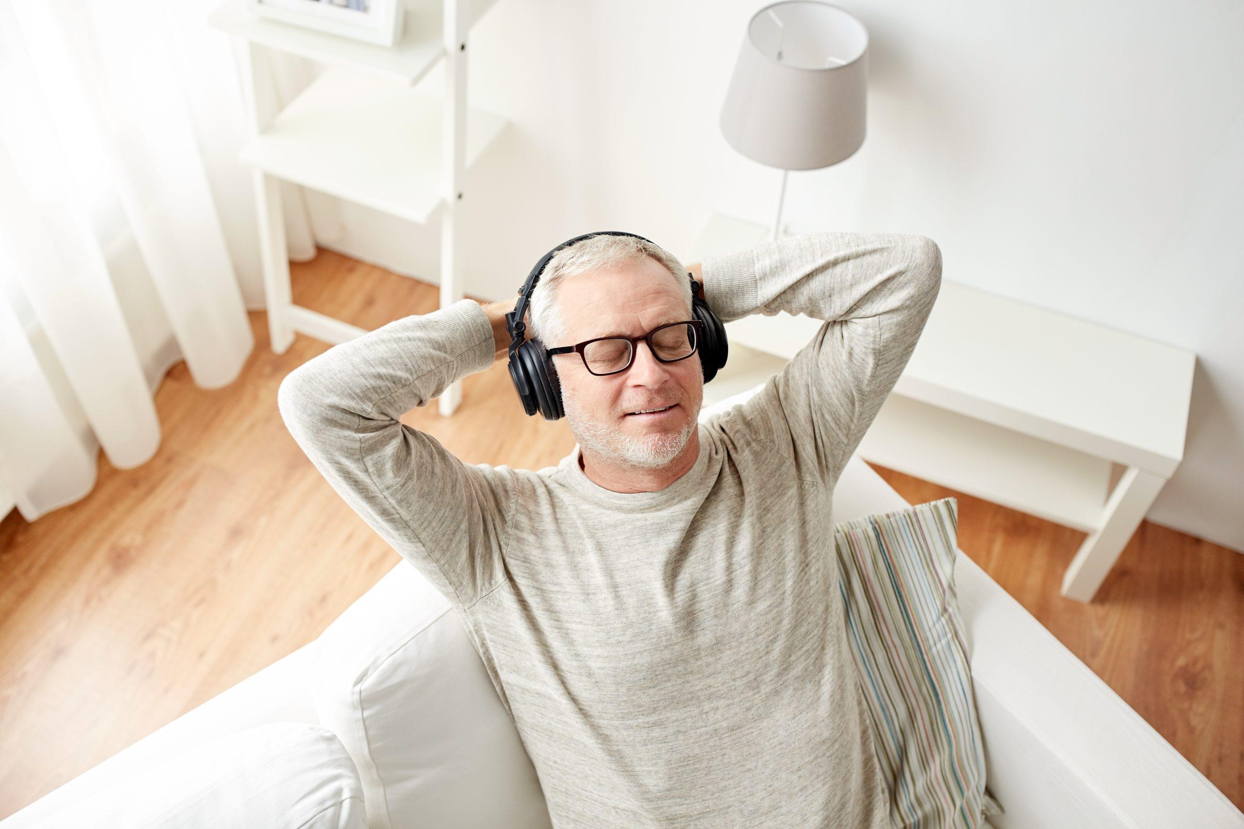 Escuhar música